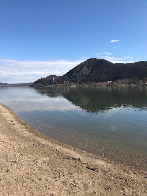 Kőbányai János: Tavasz, Visegrád – koronavírus idején | Múlt és Jövő